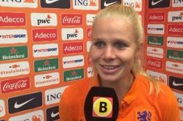 Kika van Es vraagteken voor WK voetbal, verdediger wordt geopereerd aan linkerhand