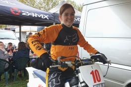 Luca (19) uit Boxmeer studente doordeweeks, motorcrosster in het weekend