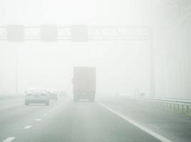 Dichte mist in Brabant: pas snelheid aan en houd afstand