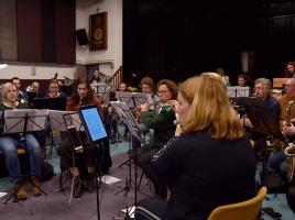 Zeikmeikenrijk heeft zijn eigen 3 Uurkes, maar dan met een orkest